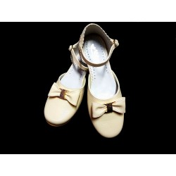 Ivory Leather Special Occasions Shoes Style 672
