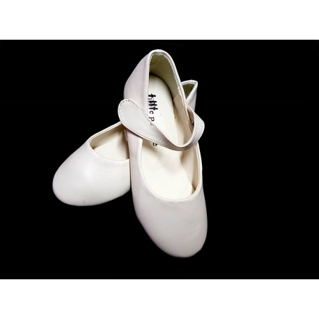 Simple Flat Ivory Communion/Flower Girls Shoes from Little People style 4962