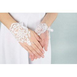 Lovely Lace First Holy Communion Gloves Style K63